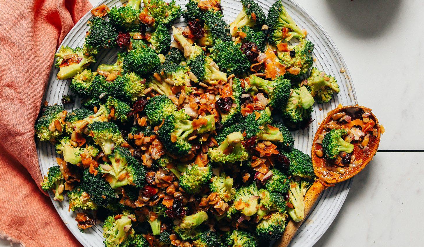 Easy Creamy Vegan Broccoli Salad