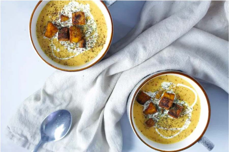 Cauliflower & Turmeric Soup